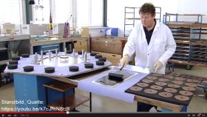 Brennstoffzellenfertigung bei Hexis (Quelle: Hexis Unternehmensfilm, YouTube)