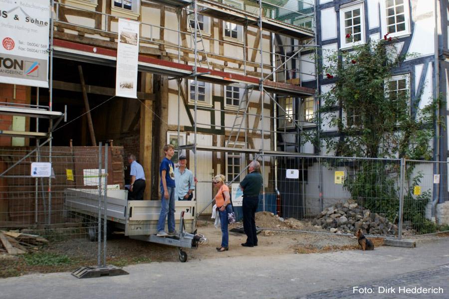 praxisbericht vom ruinchen f r einen symbolischen euro zum schmucken fachwerkhaus mit. Black Bedroom Furniture Sets. Home Design Ideas